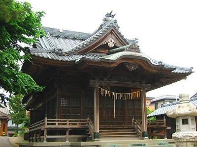 藤戸神社拝殿 拝殿は安政二年再建の記録がある。大形神社の拝殿に似た構造だが,唐破風が... 新潟